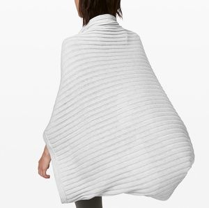 lululemon athletica Accessories - Lululemon Rejuvinate Scarf